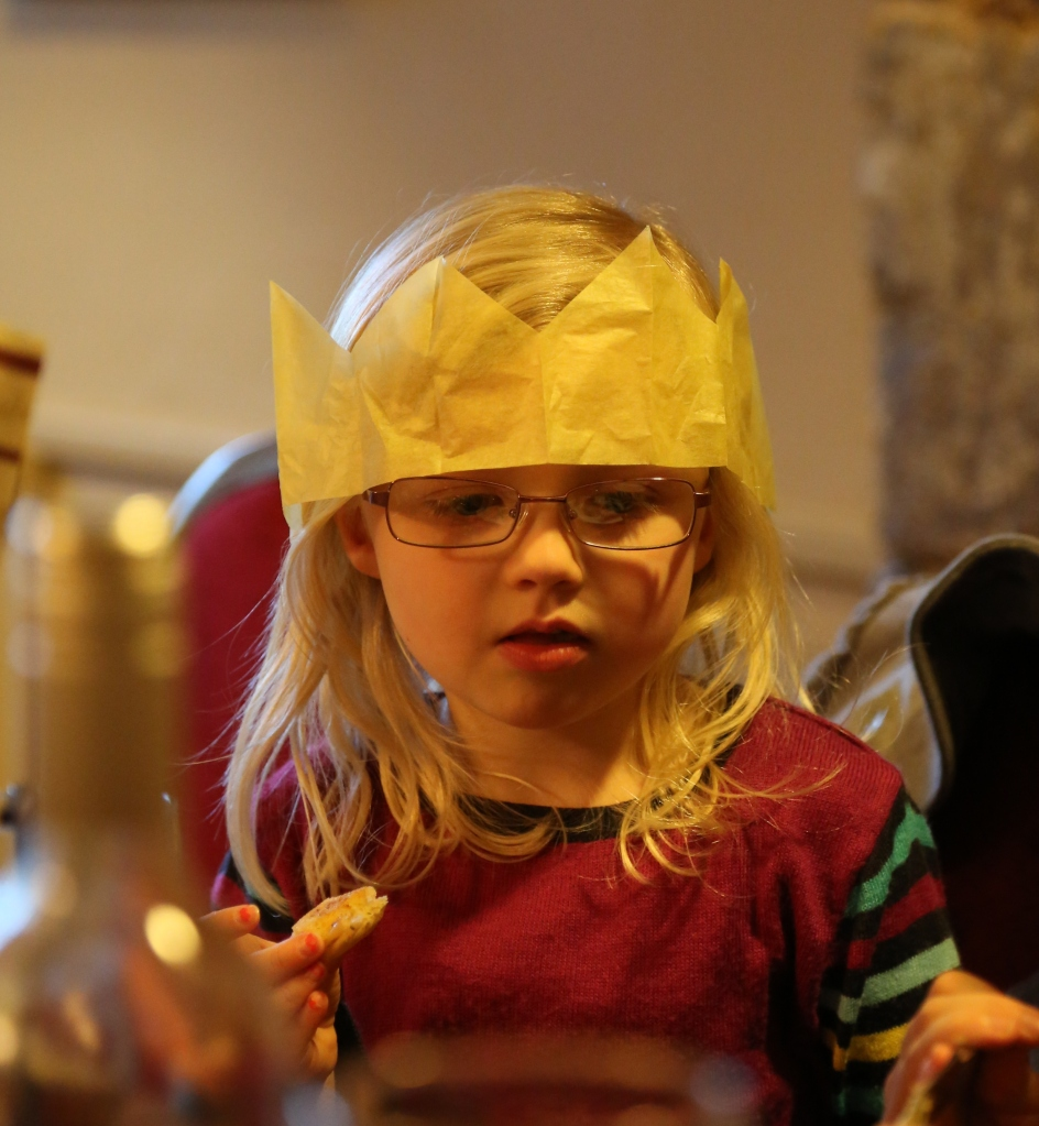 Katie & her over-sized Christmas Cracker Crown