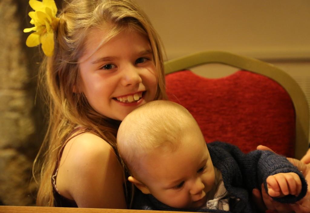 Mia & Thomas