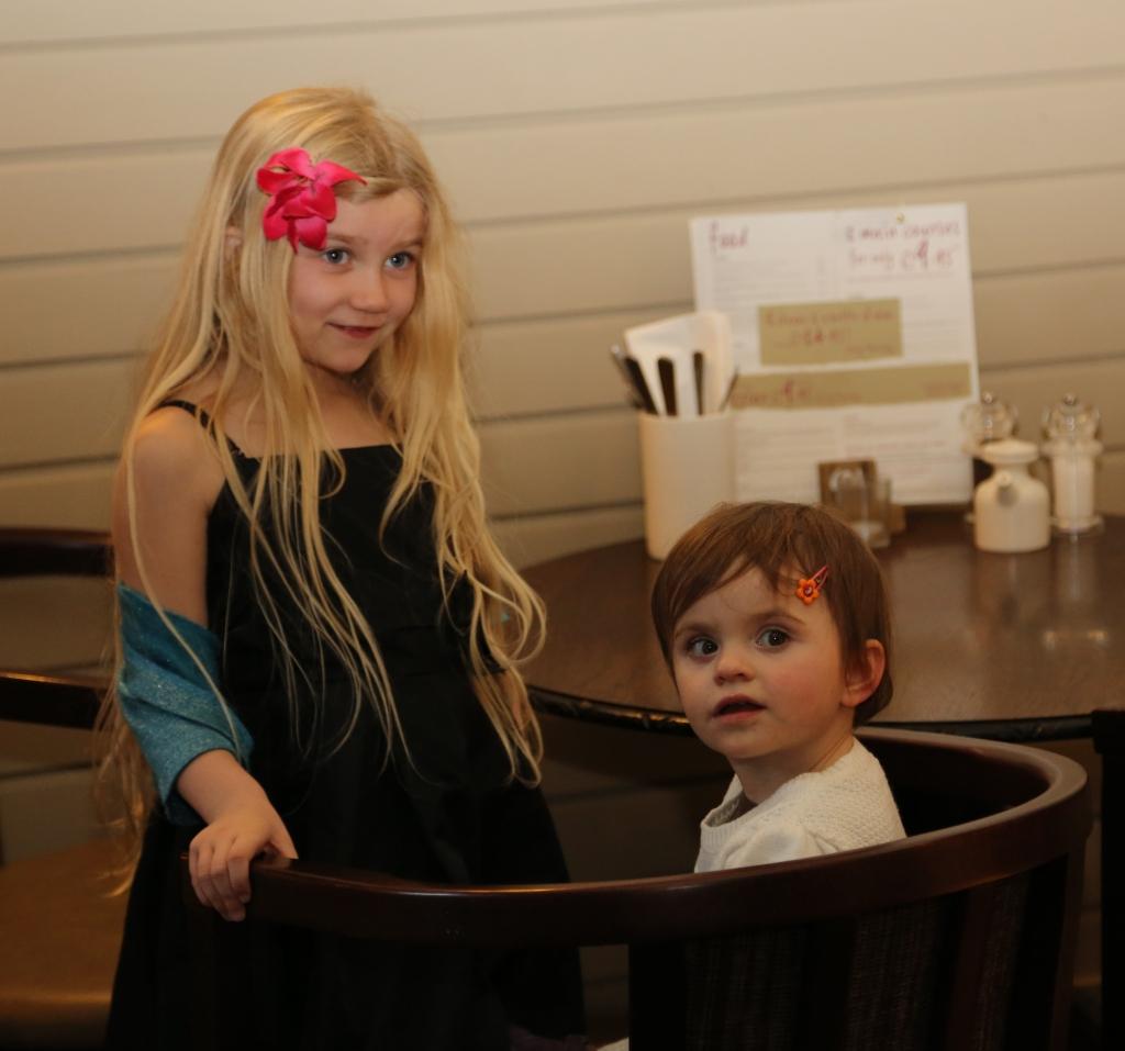 Eva & Sophie